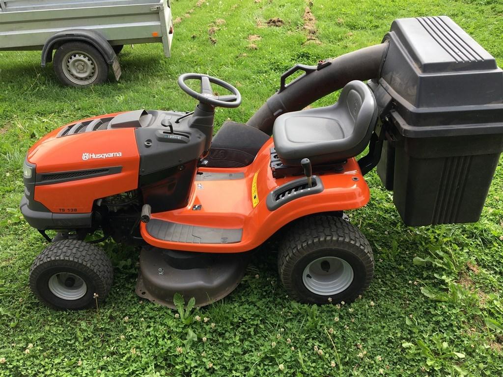 купить садовый трактор хускварна