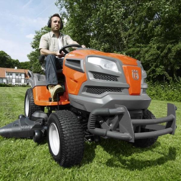 Садовый трактор husqvarna.jpg
