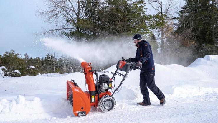 снегоотбрасыватель Husqvarna ST 224 купить у официального дилера