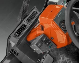 Райдер Husqvarna P 525DX с кабиной