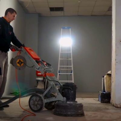 Шлифовка и полировка бетонного пола машиной Husqvarna