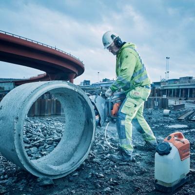 Правила безопасности при работе с ручными резчиками